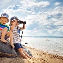 toddlers beach binoculars